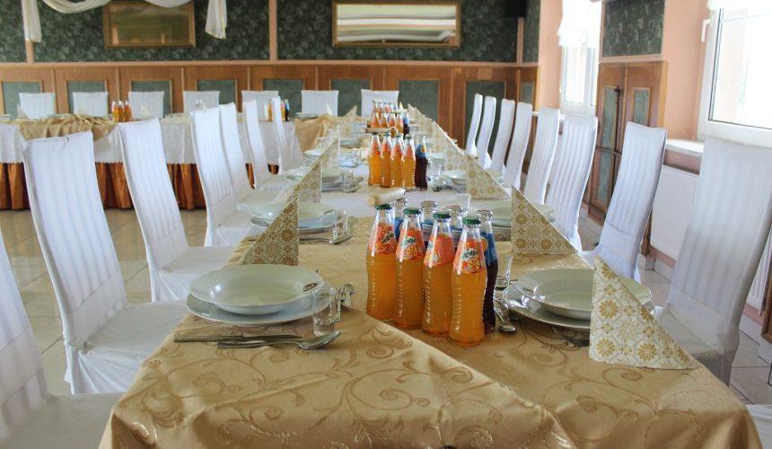 Sala Lustrzana w Hotelu Pinocy